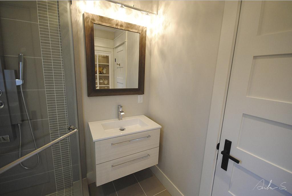 Main Bath 03
